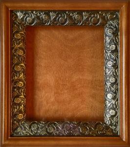 Киот деревянный с басменной рамой для иконы формата 13х16см